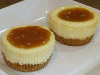 Mini Cheesecake with Salted Caramel Sauce