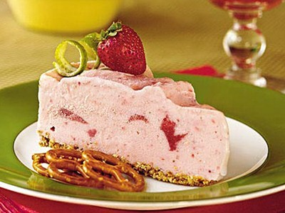 Creamy Strawberry Lime Pie