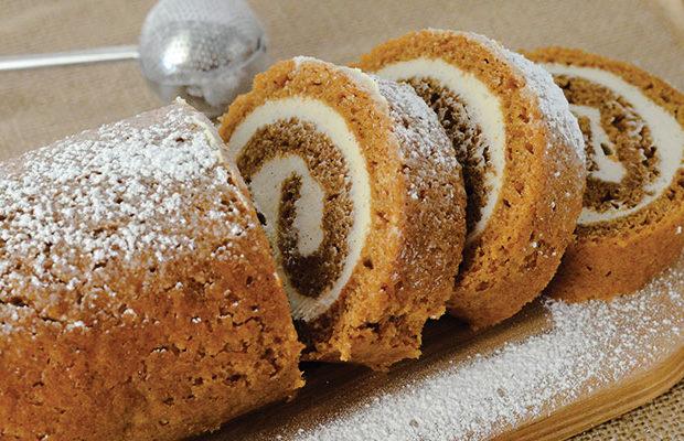 Thanksgiving Dessert - Pumpkin Roll